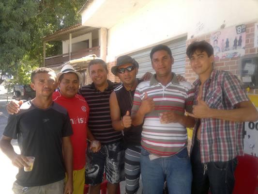 André do MN, ao lado de alguns integrantes do 'Coração Gelado)
