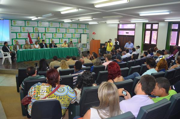 Audiência pública discute a falta de segurança no município de Marechal Deodoro. (foto: André do MN)