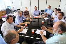 Prefeito se reuniu com representantes da FUNASA. (foto: PMMD)