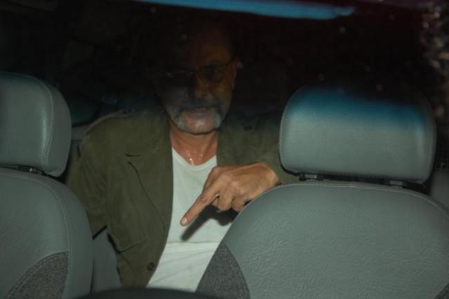Quando foi detido italiano ainda fez gestos obscenos. (foto: Sandro Quintela)