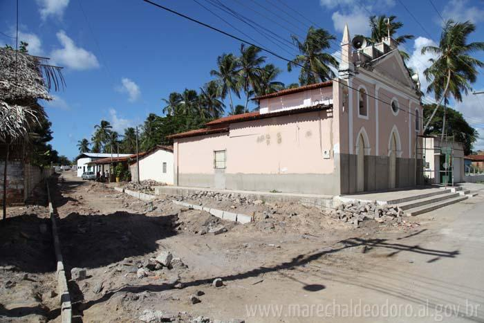 Obra liga duas avenidas na Massagueira.