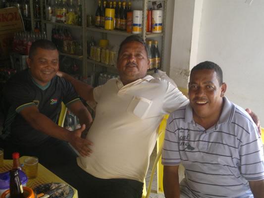 Nildo, ao centro, ao lado de Marcelo e Val Negão. (foto: André do MN)
