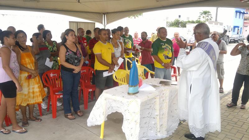 Missa foi celebrada pelo Diácono Paulo Dias. (foto: André do MN)