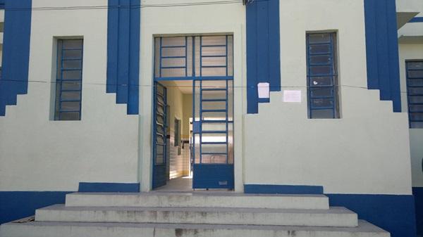 Escola fica localizada no centro da cidade de Marechal Deodoro. (André do MN)