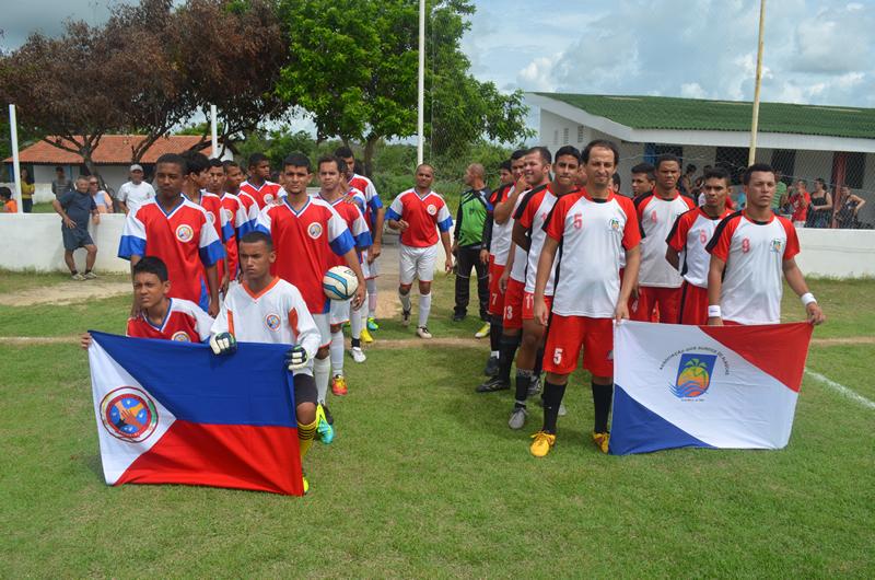 Torneio reuniu atletas com algum tipo de deficiência auditiva. (foto: André do MN)