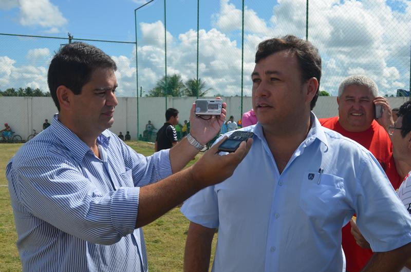 Prefeito Cristiano Matheus destacou a importância do novo campo do Grêmio.