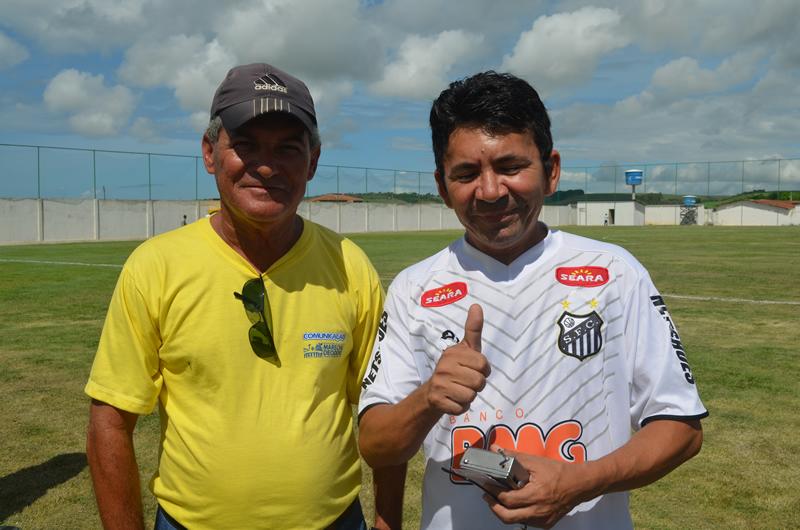 Zé Maia ao lado do aniversariante Eli Correia. (foto: André do MN)