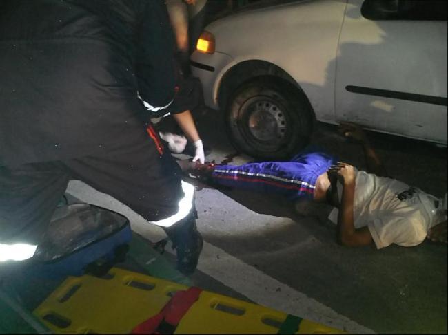 Vítima foi socorrida com suspeita de fratura nas pernas. (foto: Sgt Reynaldo)