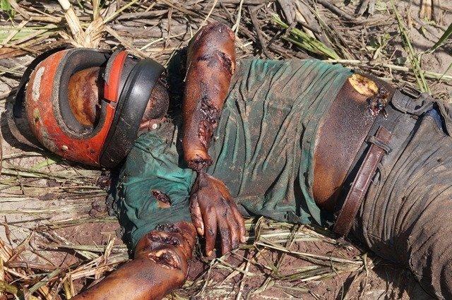 Alexsandro dos estava em sua moto quando foi assassinado com vários golpes de facão (Aqui Acontece)
