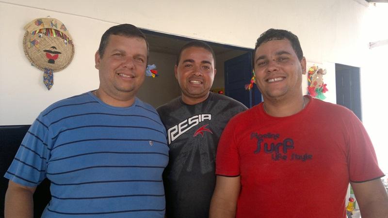Sandro, Edvaldo e Dema. (foto: André do MN)