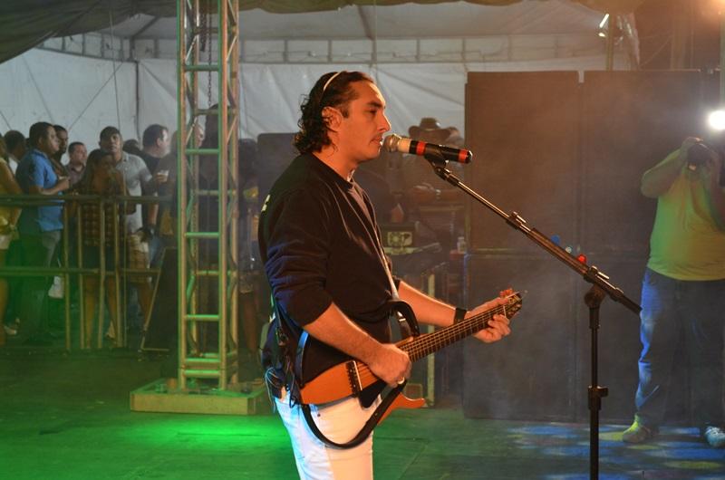 Vicente Nery levou o público ao delírio na sua apresentação. (foto: Gabriel Santos)