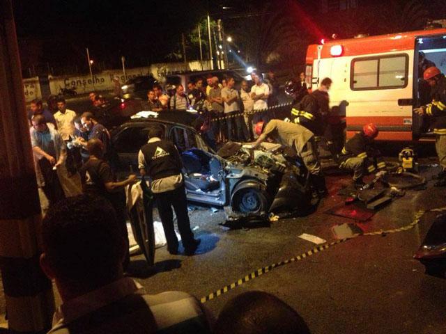 Veículo ficou totalmente destruído em acidente (Foto: Comandante Pilot/Rede Social)