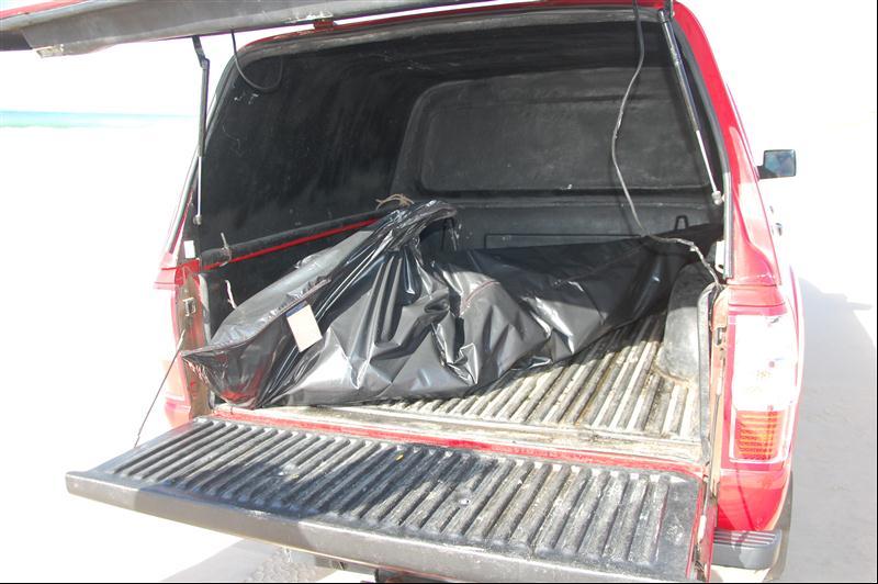 Corpo de Bombeiros recolheu o corpo do turista paraibano. (foto: Sandro Quintela)