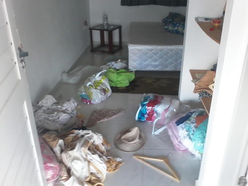 Ladrões reviraram as duas residências e furtaram vários objetos. (foto: JF)