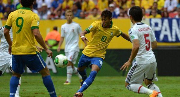 Neymar abriu placar contra o Japão