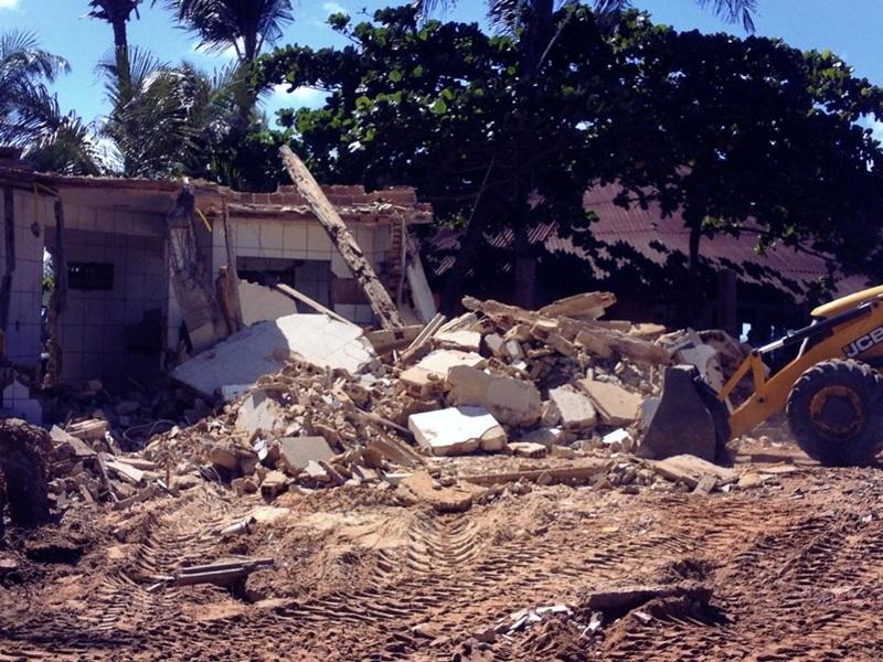 Barraca Moringa foi derrubada na manhã de hoje. (foto: facebook)