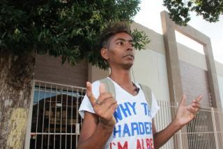 Flávio se diz ex-gay, graças a sua fé e religiosidade, apesar de não ver homossexualidade como doença