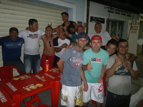 Equipe dos Amigos festejou na orla lagunar na noite sábado.