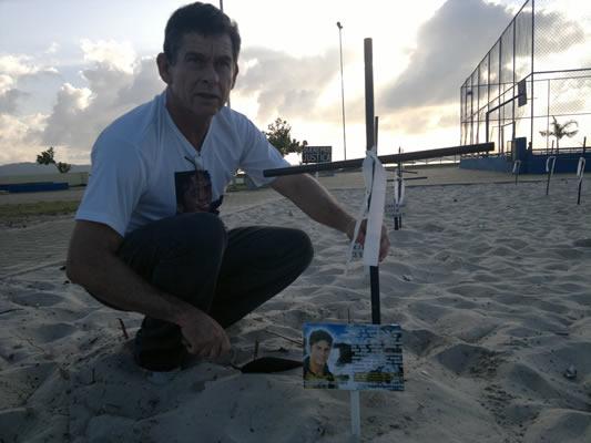 Edglemes, pai do modelo Eric Ferraz (foto menor)