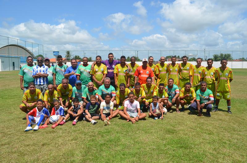 Jogadores e equipe técnica do Cajueirão Master.