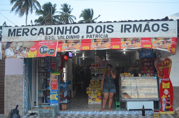 Mercadinho fica localizado no bairro da Poeira.