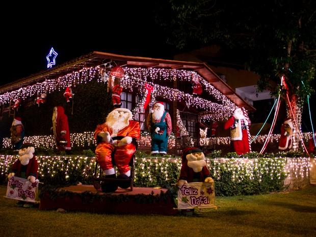 Casa do Papai Noel enfeitada para receber as crianças em festa. (Foto: Jonathan Lins/G1)