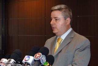 Governador Antonio Anastasia, nesta segunda-feira (30