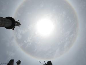 Halo solar também  foi observado no céu de Porto Alegre nesta sexta (Foto: Fábio Freitas/RBS TV)