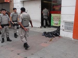 """Polícia diz que vítima é adolescente e conhecido como """"Calcinha Preta"""". (Foto: Nívio Dorta/G1)"""