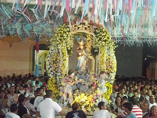 Missa campal foi celebrada no Largo da Matriz.