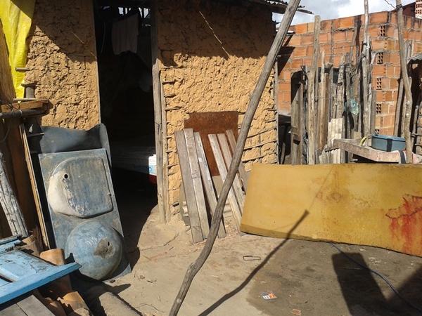 Residência onde o jovem foi assassinado no povoado Pedras. (foto: André do MN)