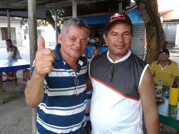 Pedro Valentim ao lado de Jorge do Bar.