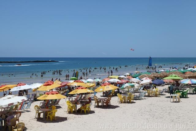 Praia do Francês em Marechal Deodoro, litoral sul alagoano.