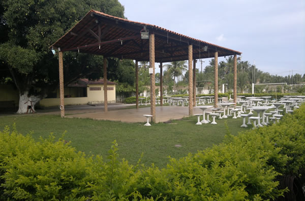Socitey do Zezinho fica em uma área rodeada de muito verde.