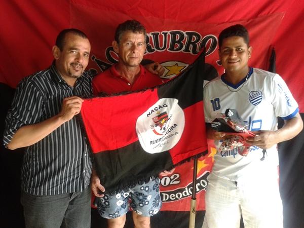 Erickson Machado também sairá no Nação Rubro Negra, na foto com Edglemes.