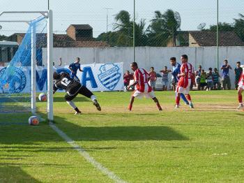 Partida acontece no campo do Grêmio.