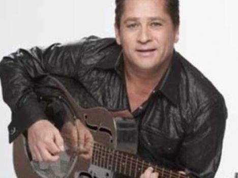 Leonardo sofre acidente de carro em Goiás