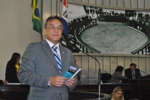 Deputado Galba Novaes (PRB).