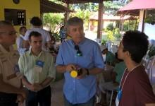 Albérico Azevedo, durante encontro com apicultores. (Foto: Divulgação)
